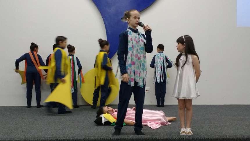 Os alunos expressaram a cooperação, como forma de formar a criança cidadã - CRÉDITO: Cláudio Galleti