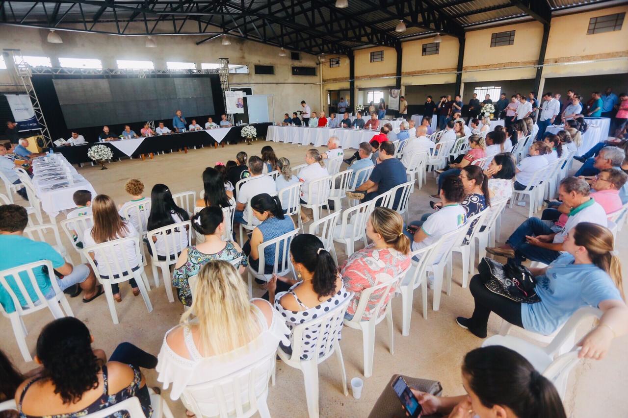 Em concorrida assembleia geral ordinária, Romualdo Batista, o Batistão, prefeito de Mandaguari, foi eleito o novo presidente da Amusep