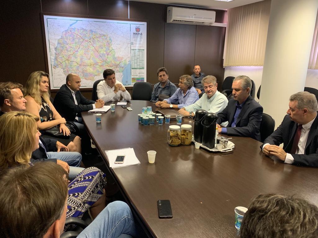 No dia 17 de setembro, uma comitiva de prefeitos da região da Amusep foi recebida pelo secretário, na sede do DER, em Curitiba