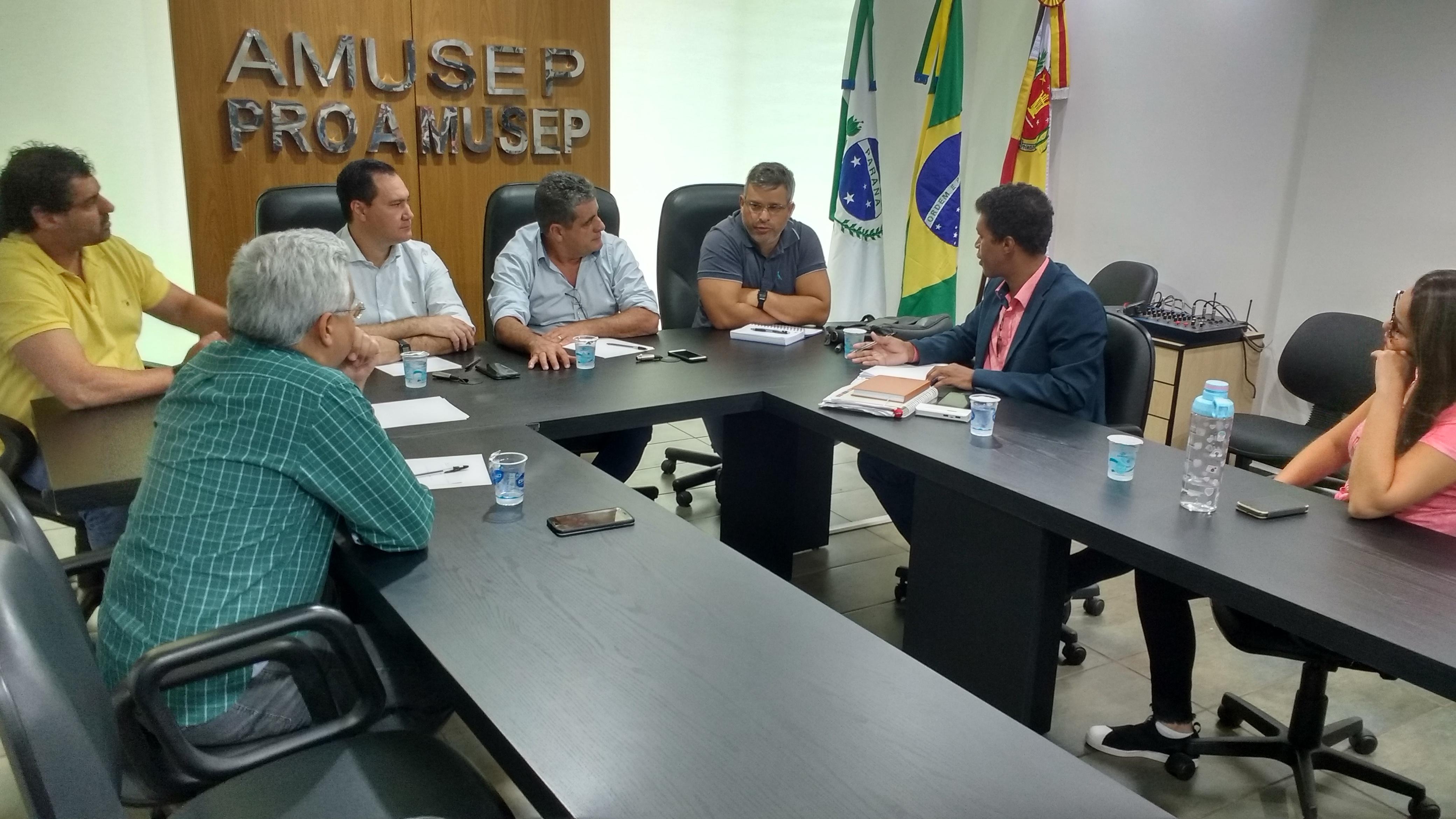 Encontro de gestores define realização de reunião conjunto para estabelecer linguagem única entre os profissionais da Saúde dos municípios, da 15 Regional e do Samu