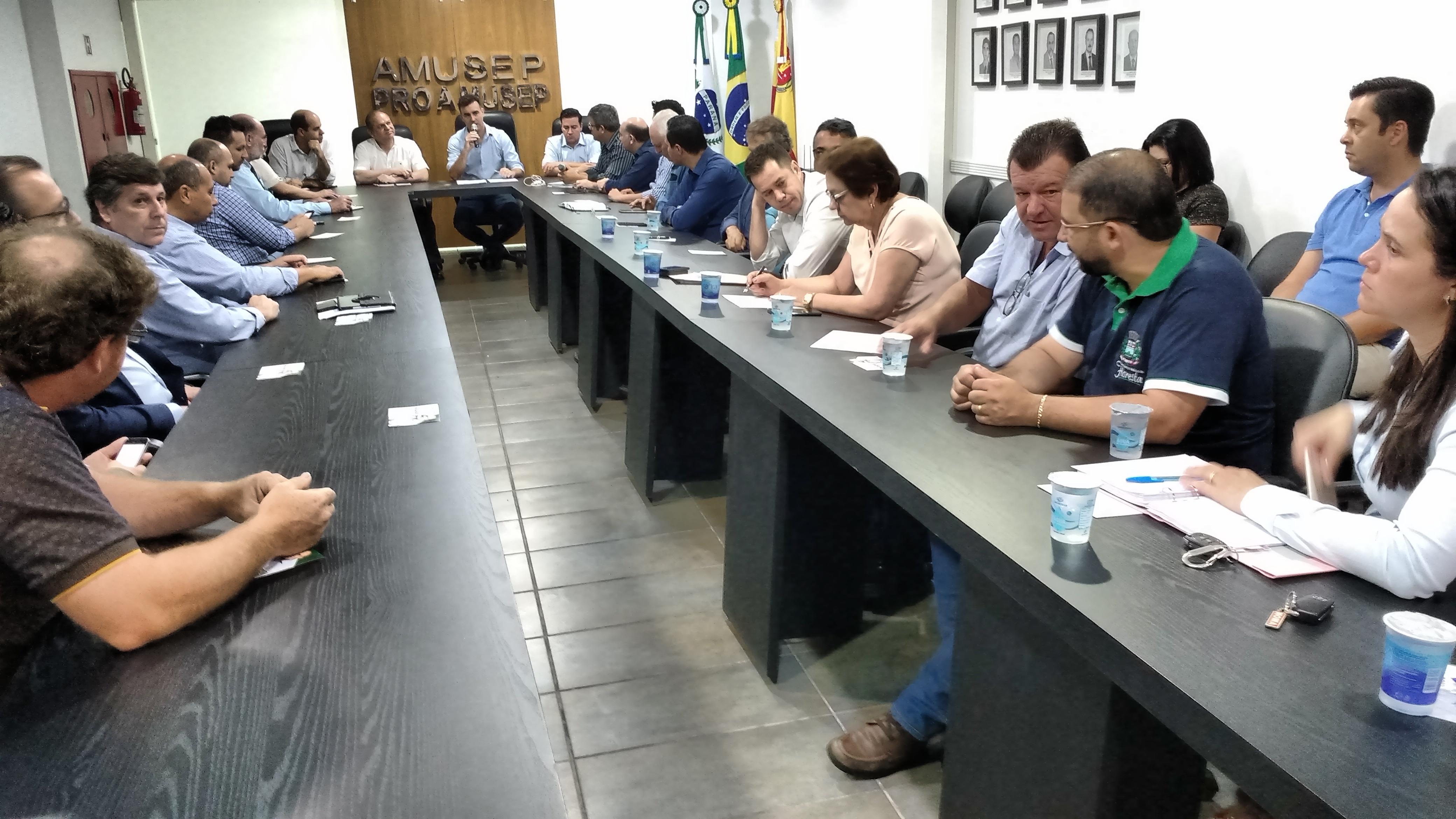 Representantes da região na próxima legislatura se colocaram à disposição para defender as reivindicações do Movimento Municipalista Paranaense