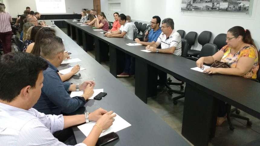 Reuniões periódicas são essenciais para melhorar o desempenho, dizem servidores do setor de licitações e pregoeiros