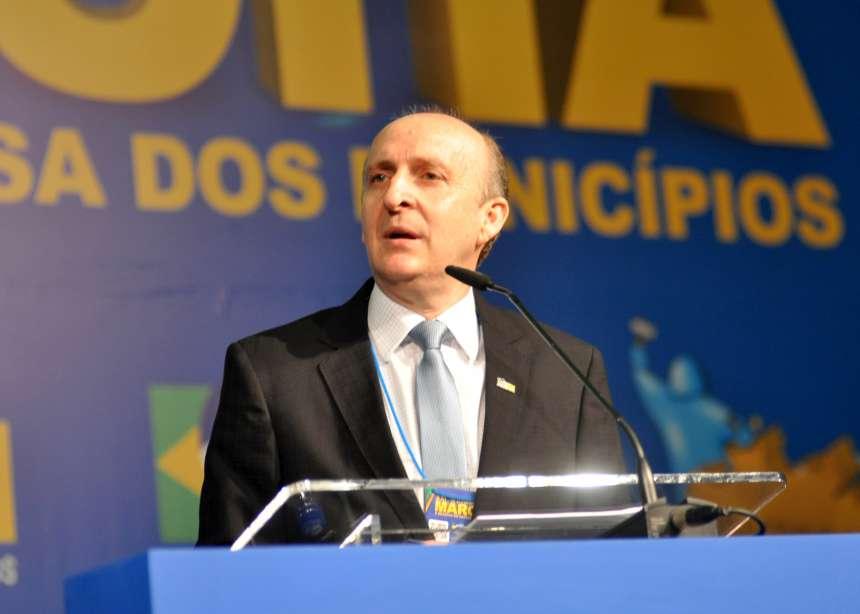 Aroldi assume Presidência da CNM, com compromisso de reformar pacto federativo