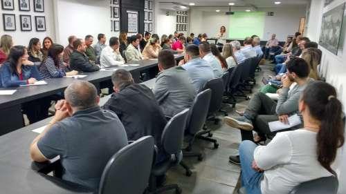 Consultora de Gestão do Cosems, Marina Martins, falou sobre as reivindicações do Conselho junto aos governos Estadual e Federal - CRÉDITO: Cláudio Galleti