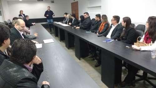 Profissionais afirmam que reuniões frequentes ajudam a melhorar o exercício da função deles - CRÉDITO: Cláudio Galleti