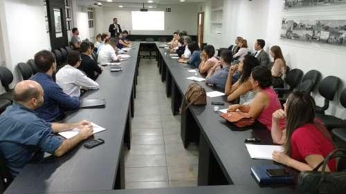 Curso teve a participação de mais de 35 advogados e procuradores municipais das prefeituras da região da Amusep - CRÉDITO: Cláudio Galleti