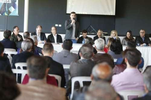 Presidente André Luís Bovo falou em nome dos dez prefeitos presentes no evento - CRÉDITO: Divulgação