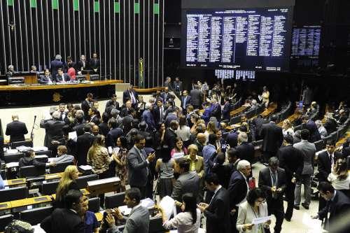 Decisão dos deputados e senadores vai provocar reflexos nas finanças dos municípios, principalmente em relação à folha de pagamento - CRÉDITO: Divulgação/Congresso Nacional